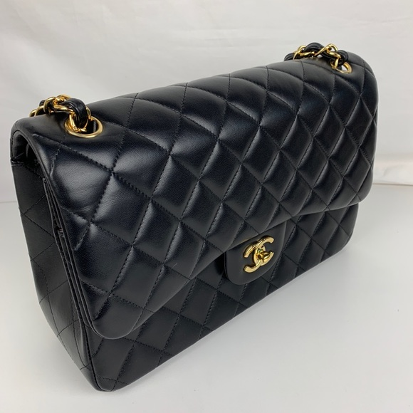 New CHANEL Jumbo Double Flap Classic Lambskin Bag d72a38aa40410